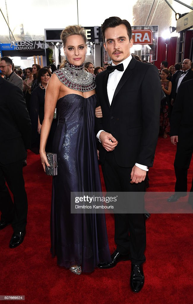Actors Aimee Mullins (L) and Rupert Friend attend The 22nd Annual Screen Actors Guild Awards at The Shrine Auditorium on January 30, 2016 in Los Angeles, California. 25650_013