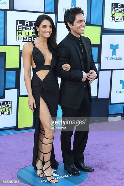 Actors Aislinn Derbez and Mauricio Ochmann attend The 2016 Latin American Music Awards at Dolby Theatre on October 6 2016 in Hollywood California