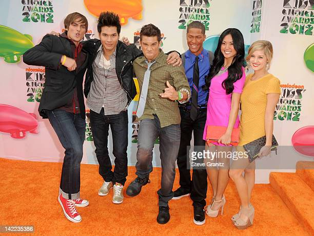 Actors Alex Heartman Steven Skyler Hector David Jr Najee DeTiege Erika Fong and Brittany Anne Pirtle arrive at Nickelodeon's 25th Annual Kids' Choice...