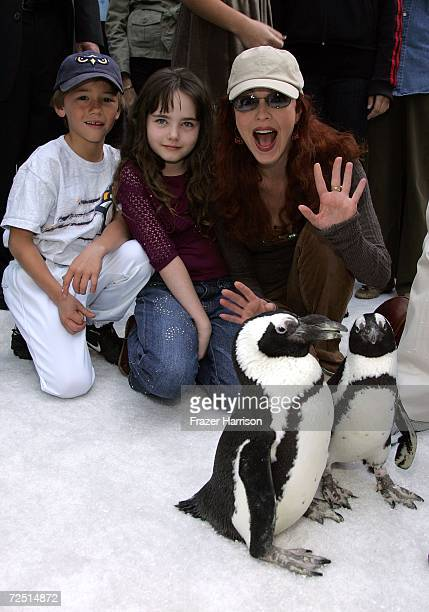 """Actors Alex Rubinek, Stella Ritter, and Amy Yasbeck arrive to the Warner Bros. Premiere of """"Happy Feet"""" held at Grauman's Chinese Theater on November..."""