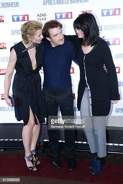 Actors Alexandra Lamy Thierry Fremont and Zabou Breitman attend the Apres Moi Le Bonheur Paris Photocall at Cinema Gaumont Marignan on February 24...