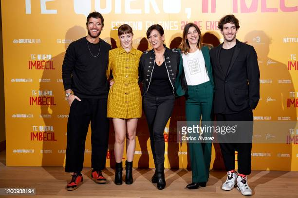 Actors Alfonso Bassave Alba Ribas director Laura Mana Natalia Tena and Quim Gutierrez attend 'Te quiero imbecil' photocall at Hotel Urso on January...