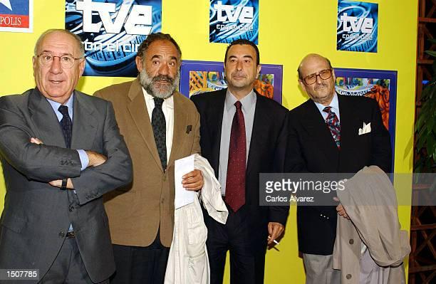 Actors Alfredo Landa and Francisco Algora director Jose Luis Garci and actor Agustin Gonzalez attend the premier of 'Historia de un Beso' at...