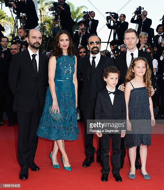 Actors Ali Mosaffa Berenice Bejo director Asghar Farhadi actors Elyes Aguis Jeanne Jestin and producer Alexandre MalletGuy of 'Le Passe'attend the...