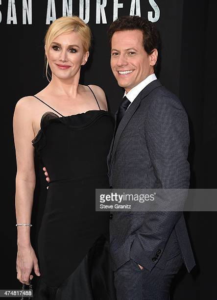 Actors Alice Evans and Ioan Gruffudd attend the 'San Andreas' Los Angeles Premiere at TCL Chinese Theatre IMAX on May 26 2015 in Hollywood California