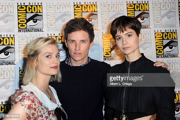 Actors Alison Sudol Eddie Redmayne and Katherine Waterston attend the Warner Bros 'Fantastic Beasts and Where to Find Them' Presentation during...