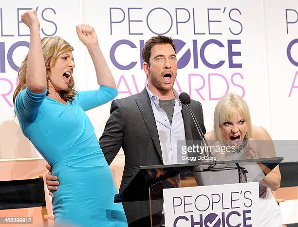 Actors Allison Janney Dylan McDermott and Anna Faris attend the People's Choice Awards 2015 Nominations Press Conference at The Paley Center for...