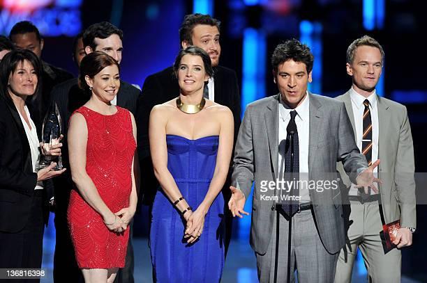 Actors Alyson Hannigan Cobie Smulders Jason Segel Josh Radnor and Neil Patrick Harris accept Favorite Network TV Comedy Award for 'How I Met Your...