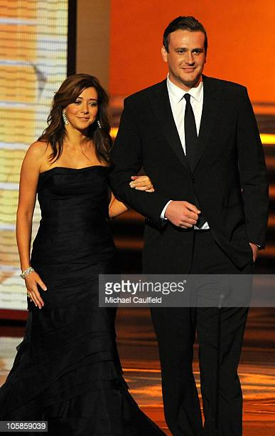 Actors Alyson Hannigan Jason Segel of ' How i Met Your Mother' onstage at the 61st Primetime Emmy Awards held at the Nokia Theatre on September 20...