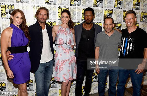 Actors Amanda Righetti Josh Holloway Sarah Wayne Callies Tory Kittles Peter Jacobson and Adrian Pasdar attend the 'Colony' press line during ComicCon...
