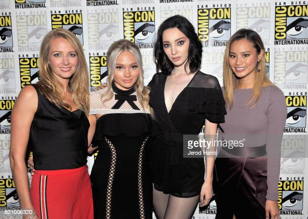 Actors Amy Acker Natalie Alyn Lind Emma Dumont and Jamie Chung at 'The Gifted' Press Line during ComicCon International 2017 at Hilton Bayfront on...