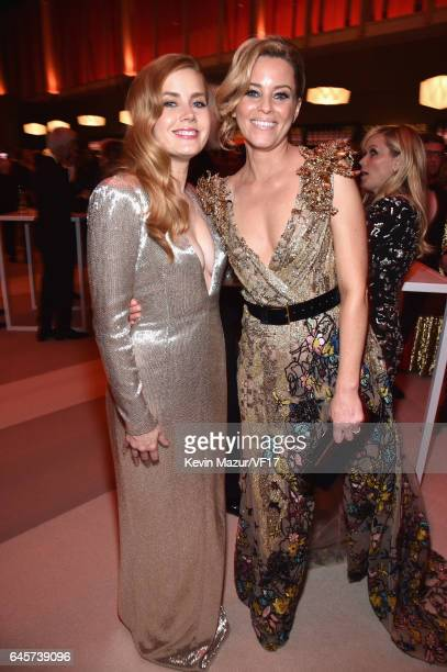 Actors Amy Adams and Elizabeth Banks attend the 2017 Vanity Fair Oscar Party hosted by Graydon Carter at Wallis Annenberg Center for the Performing...