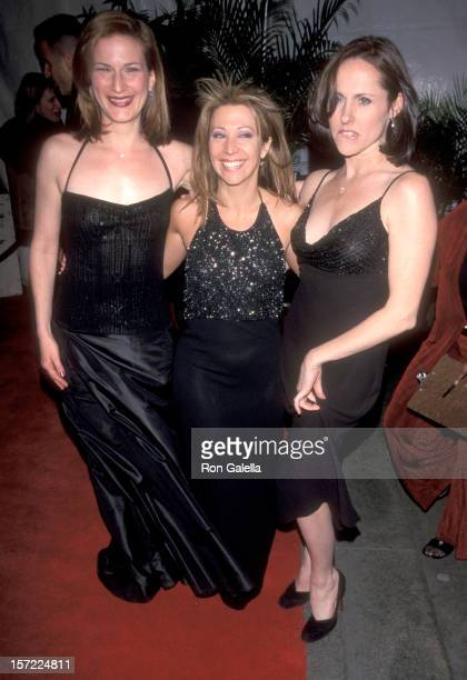 Actors Ana Gasteyer Cheri Oteri and Molly Shannon attend the VH1's Divas Live Concert Special on April 13 1999 at the Beacon Theater in New York City...
