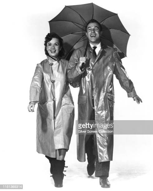 Actors and singers Debbie Reynolds and Gene Kelly in the musical film 'Singin' in the Rain' 1952