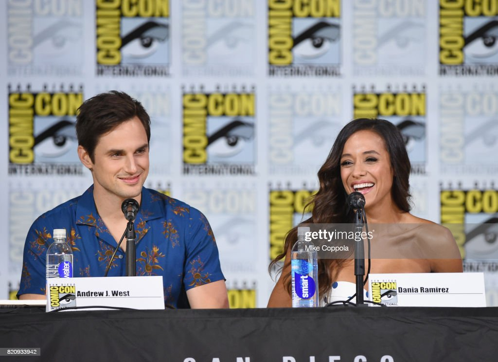 """Comic-Con International 2017 - ABC's """"Once Upon A Time"""" Panel : News Photo"""