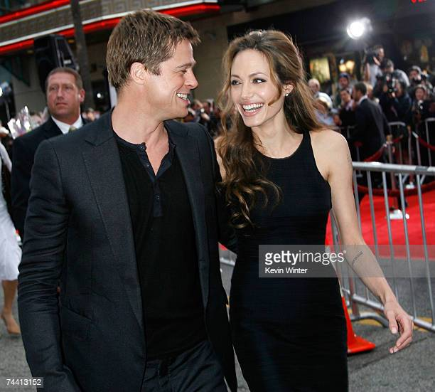 Actors Angelina Jolie and Brad Pitt arrive to the Warner Bros premiere of the film Ocean's 13 at Grauman's Chinese Theatre on June 5 2007 in...