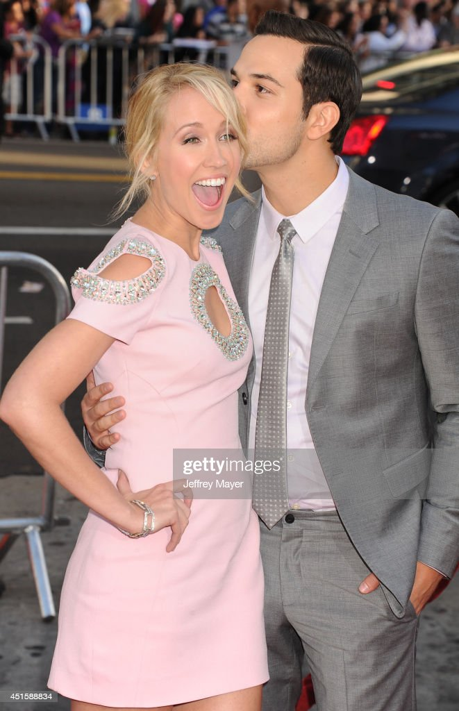 Actors Anna Camp (L) and Skylar Astin arrive at HBO's 'True Blood' final season premiere at TCL Chinese Theatre on June 17, 2014 in Hollywood, California.