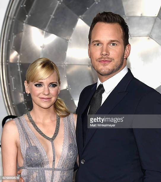 Actors Anna Faris and Chris Pratt attend the premiere of Columbia Pictures' Passengers at Regency Village Theatre on December 14 2016 in Westwood...