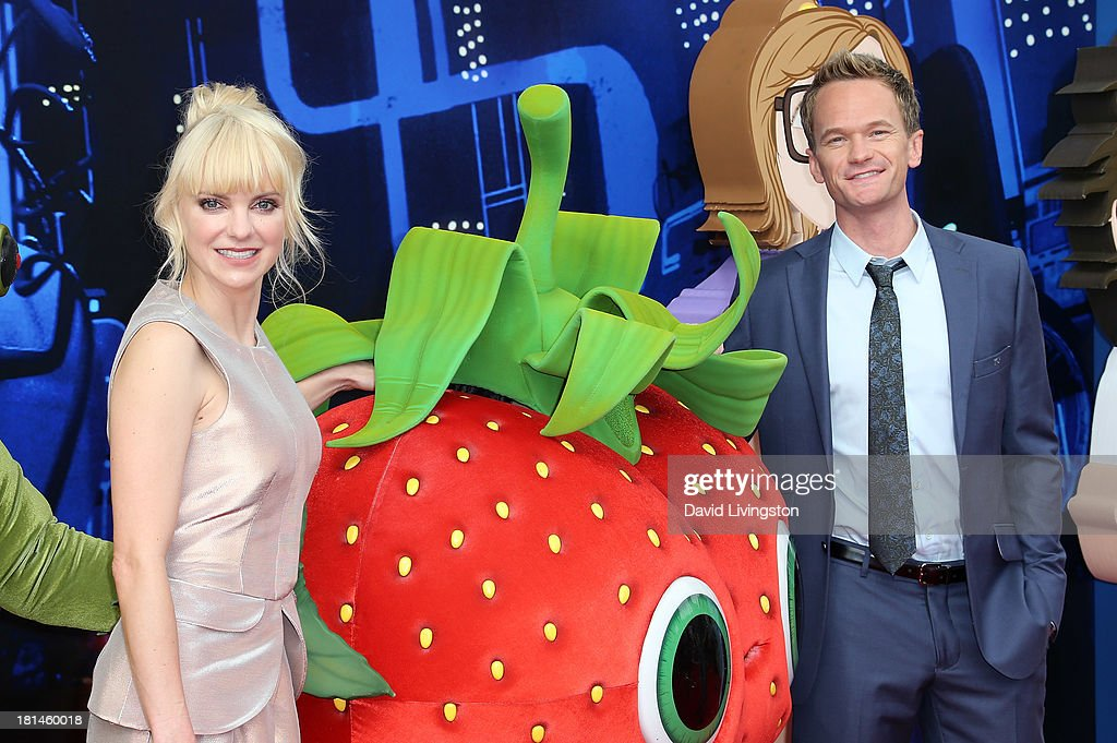Actors Anna Faris (L) and Neil Patrick Harris attend the premiere of Columbia Pictures and Sony Pictures Animation's 'Cloudy with a Chance of Meatballs 2' at the Regency Village Theatre on September 21, 2013 in Westwood, California.