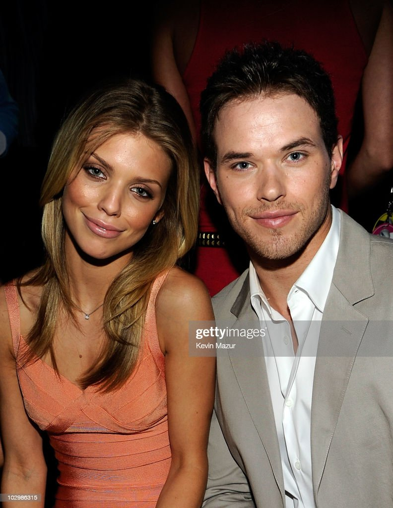 2010 VH1 Do Something Awards - Inside : News Photo