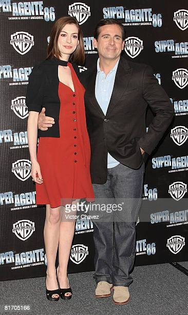 Actors Anne Hathaway and Steve Carell attend the 'Get Smart' photo call at Hotel Four Seasons on June 25 2008 in Mexico City Mexico