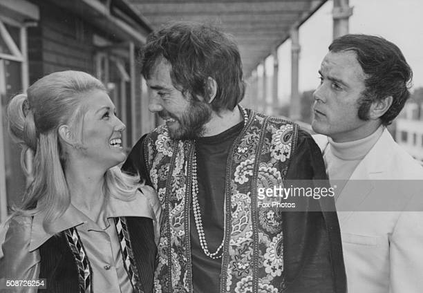 Actors Annette Andre Mike Pratt and Ken Cope in character at a photo call for their new television series 'Randall and Hopkirk Deceased' September...