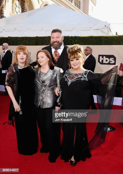 Actors Annie Golden Dale Soules Brad William Henke and Lin Tucci attends the 24th Annual Screen ActorsGuild Awards at The Shrine Auditorium on...