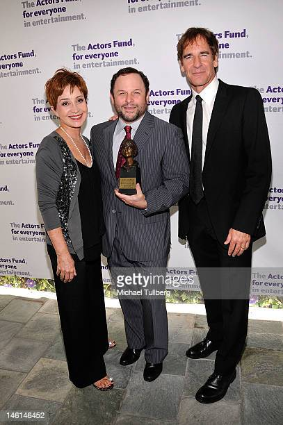 Actors Annie Potts Jason Alexander and Scott Bakula arrive at The Actors Fund's 16th Annual Tony Awards Viewing Party at Skirball Cultural Center on...