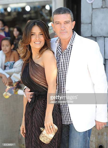 """Actors Antonio Banderas and Salma Hayek attend the """"Puss In Boots"""" Los Angeles Premiere at Regency Village Theatre on October 23, 2011 in Westwood,..."""