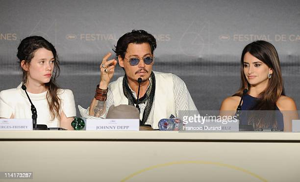 Actors Astrid BergesFrisbey Johnny Depp and Penelope Cruzattends the 'Pirates of the Caribbean On Stranger Tides' press conference at the Palais des...