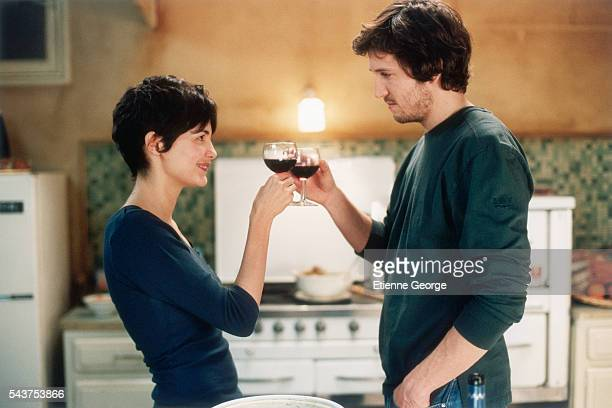 Actors Audrey Tautou and Guillaume Canet on the set of the film 'Ensemble c'est tout' directed by Claude Berri and based on Anna Gavalda's novel by...