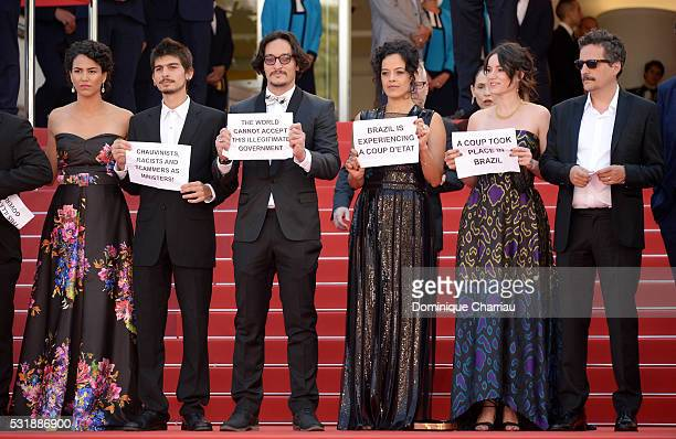 Actors Barbara Colen guest guest Maeve Jinkings Emilie Lesclaux and Director Kleber Mendonca Filho attend the Aquarius premiere during the 69th...