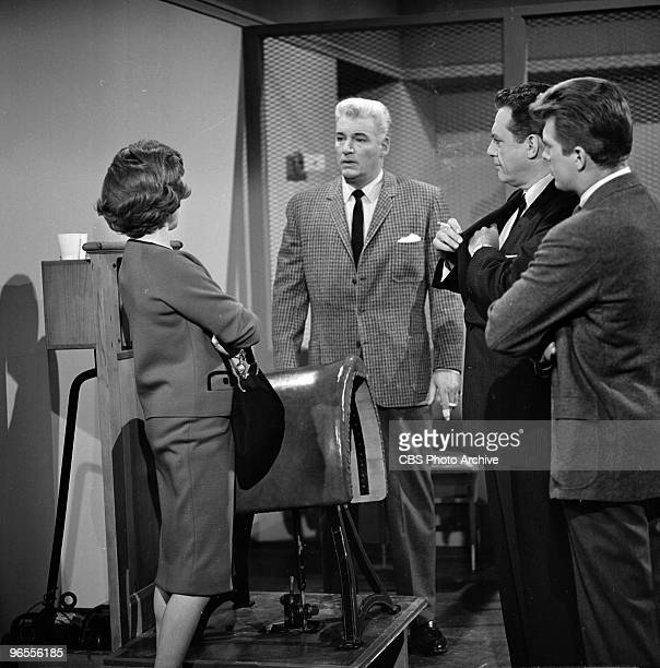 Actors Barbara Hale as Della Street William Hopper as Paul Drake Raymond Burr as Perry Mason and Karl Held as David Gideon perform in a scene from an...