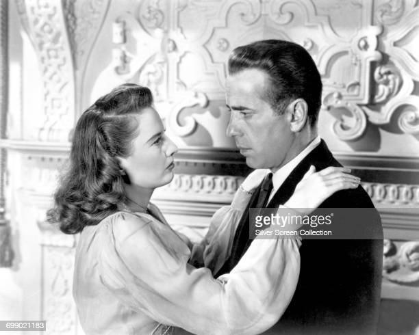 Actors Barbara Stanwyck as Sally Morton Carroll and Humphrey Bogart as Geoffrey Carroll in 'The Two Mrs Carrolls' 1947