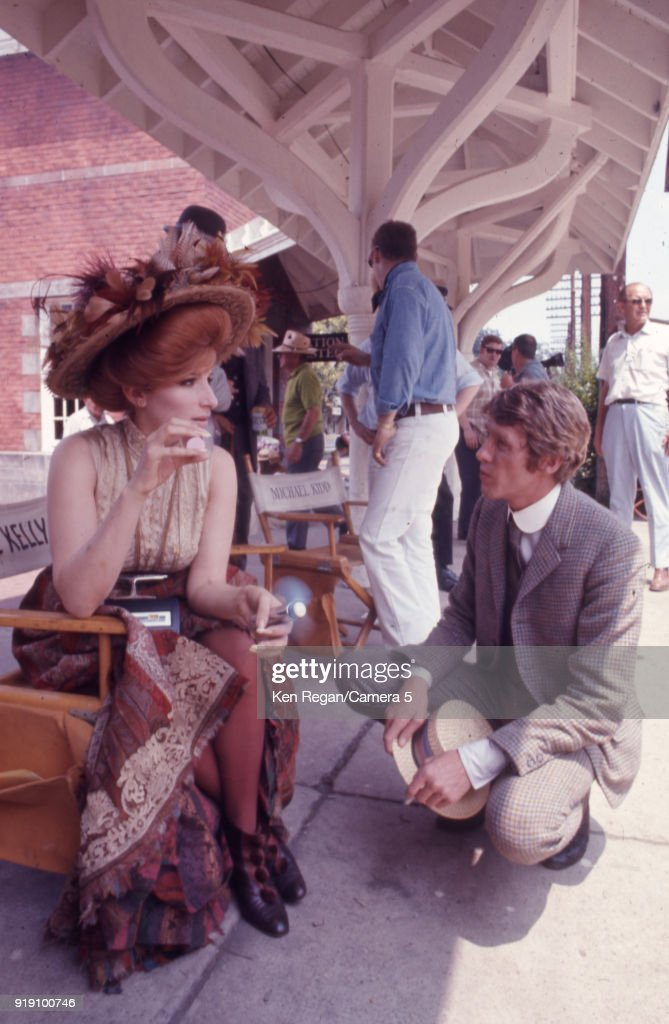 Barbra Streisand and Michael Crawford, Hello Dolly!, 1969 : News Photo
