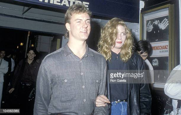 Actors Barry Tubb and Kelly McGillis attend a Broadway Performance of Mummenschanz 'The New Show' on August 30 1986 at Helen Hayes Theatre in New...