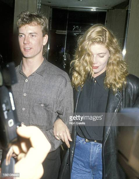 Actors Barry Tubb and Kelly McGillis attend a Broadway Performance of 'Mummenschanz 'The New Show' ' on August 30 1986 at Helen Hayes Theatre in New...