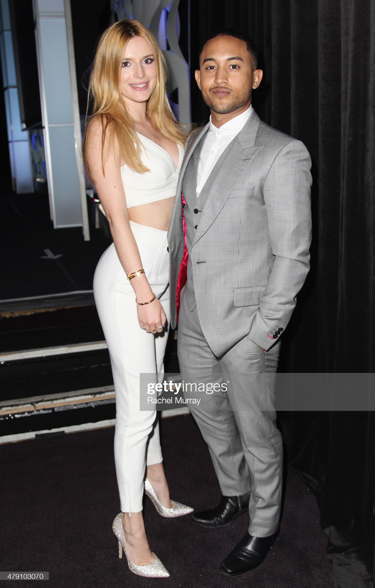 ¿Cuánto mide Bella Thorne? - Real height Actors-bella-thorne-and-tahj-mowry-attend-the-6th-annual-thirst-gala-picture-id479103070?s=2048x2048