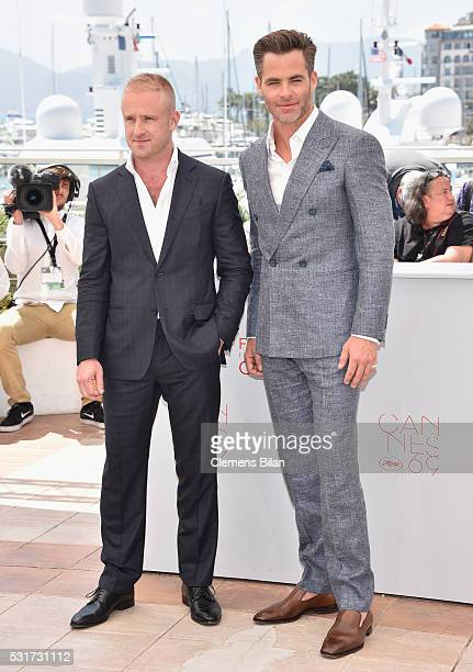 Actors Ben Foster and Chris Pine attend the Hell Or High Water Photocall during the 69th Annual Cannes Film Festival on May 16 2016 in Cannes France