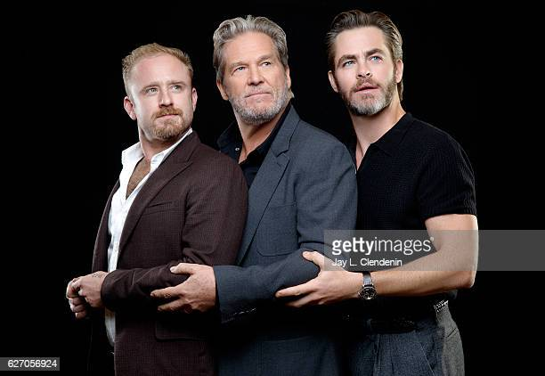 Actors Ben Foster Jeff Bridges and Chris Pine of 'Hell or High Water' are photographed for Los Angeles Times on November 5 2016 in Los Angeles...