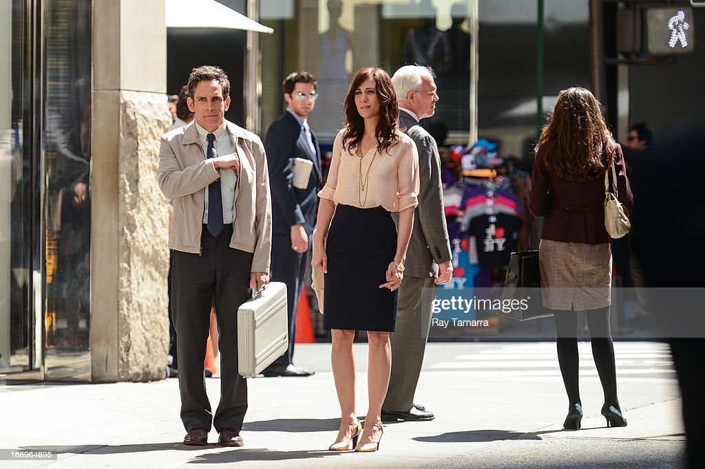Actors Ben Stiller (L) and Kristen Wiig film a scene at the 'The Life and Times of Walter Mitty' movie set in Midtown Manhattan on May 17, 2013 in New York City.