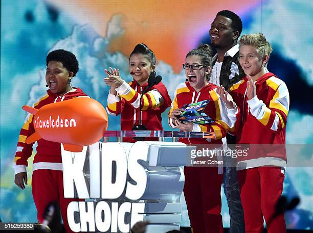 Actors Benjamin Flores Jr Cree Cicchino Kel Mitchell Madisyn Shipman and Thomas Kuc speak onstage during Nickelodeon's 2016 Kids' Choice Awards at...
