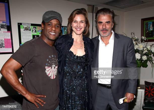 Actors Blair Underwood Brenda Strong and Chris Noth visit Broadway's 'A Street Car Named Desire' at The Broadhurst Theatre on May 17 2012 in New York...