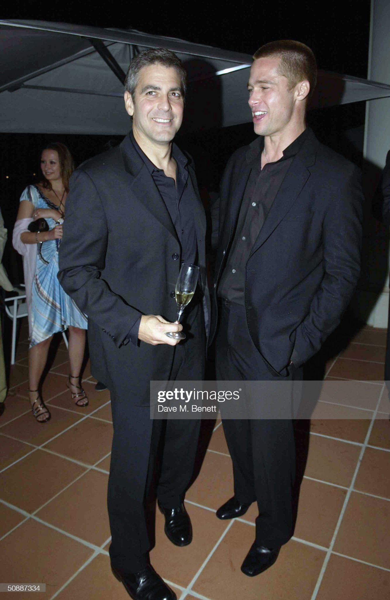 ¿Cuánto mide George Clooney? - Altura - Real height Actors-brad-pitt-and-george-clooney-attend-oceans12-dinner-at-karl-picture-id50887334?s=2048x2048