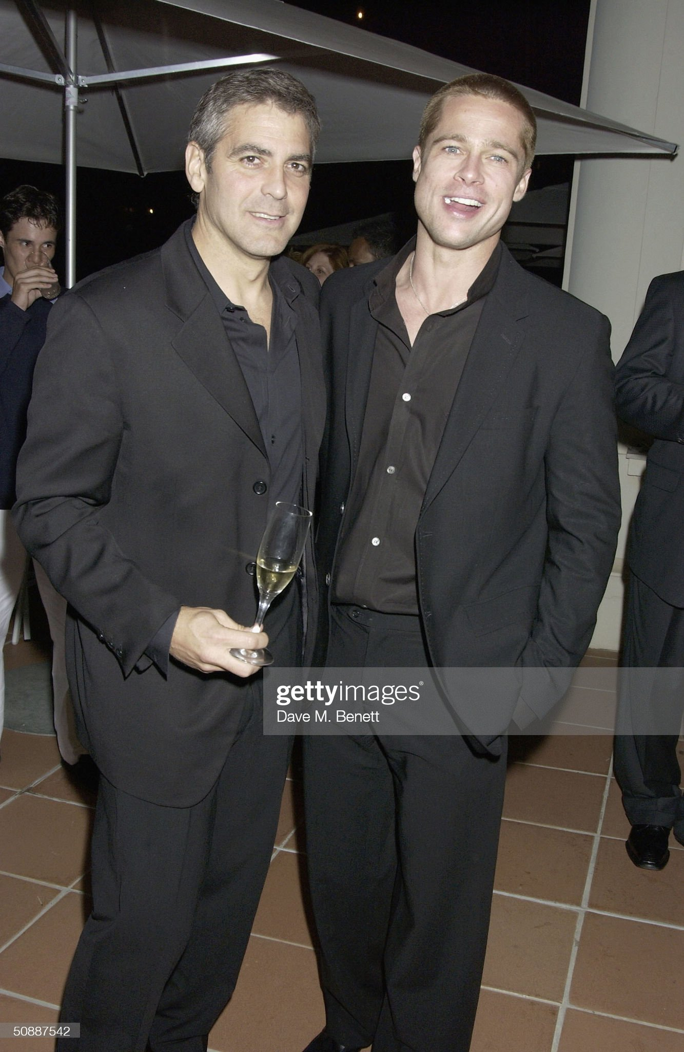 ¿Cuánto mide George Clooney? - Altura - Real height Actors-brad-pitt-george-clooney-attend-oceans12-dinner-at-karl-villa-picture-id50887542?s=2048x2048