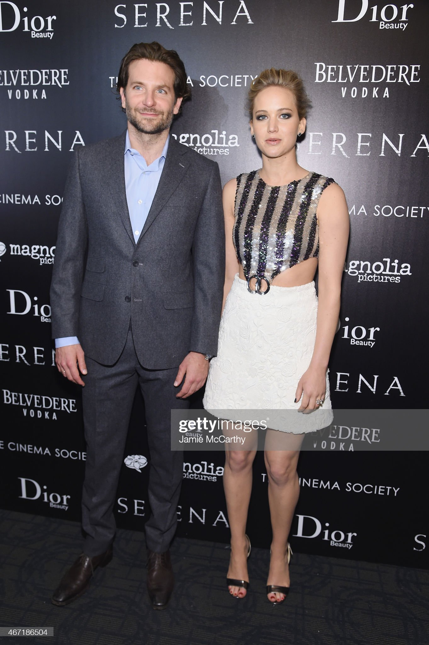 ¿Cuánto mide Jennifer Lawrence? - Altura - Real height Actors-bradley-cooper-and-jennifer-lawrence-attend-a-screening-of-picture-id467186504?s=2048x2048