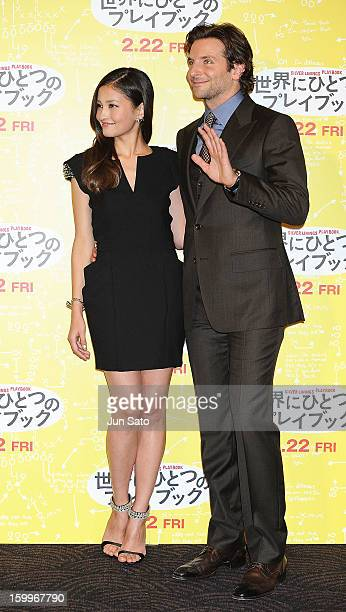 Actors Bradley Cooper and Meisa Kuroki attend the 'Silver Linings Playbook' stage greeting at Roppongi Hills on January 24 2013 in Tokyo Japan The...