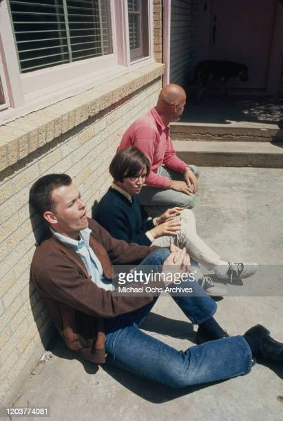 Actors Brenda Currin and Paul Hough in the small farming community of Holcomb Kansas during the filming of Truman Capote's nonfiction crime novel 'In...