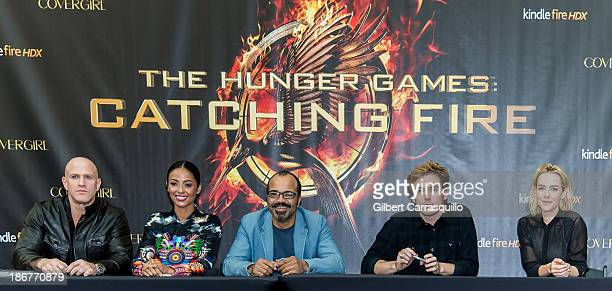 Actors Bruno Gunn Meta Golding Jeffrey Wright Sam Claflin and Jena Malone attend the The Hunger Games Catching Fire Victory mall tour at Cherry Hill...
