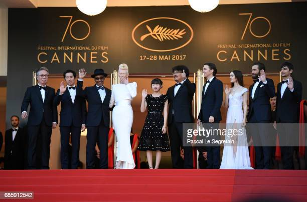 Actors Byung Heebong Steven Yeun Giancarlo Esposito Tilda Swinton and Ahn SeoHyun director Bong JoonHo and actors Paul Dano Lily Collins Jake...